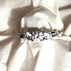 925 Silver & White Sapphire Ring